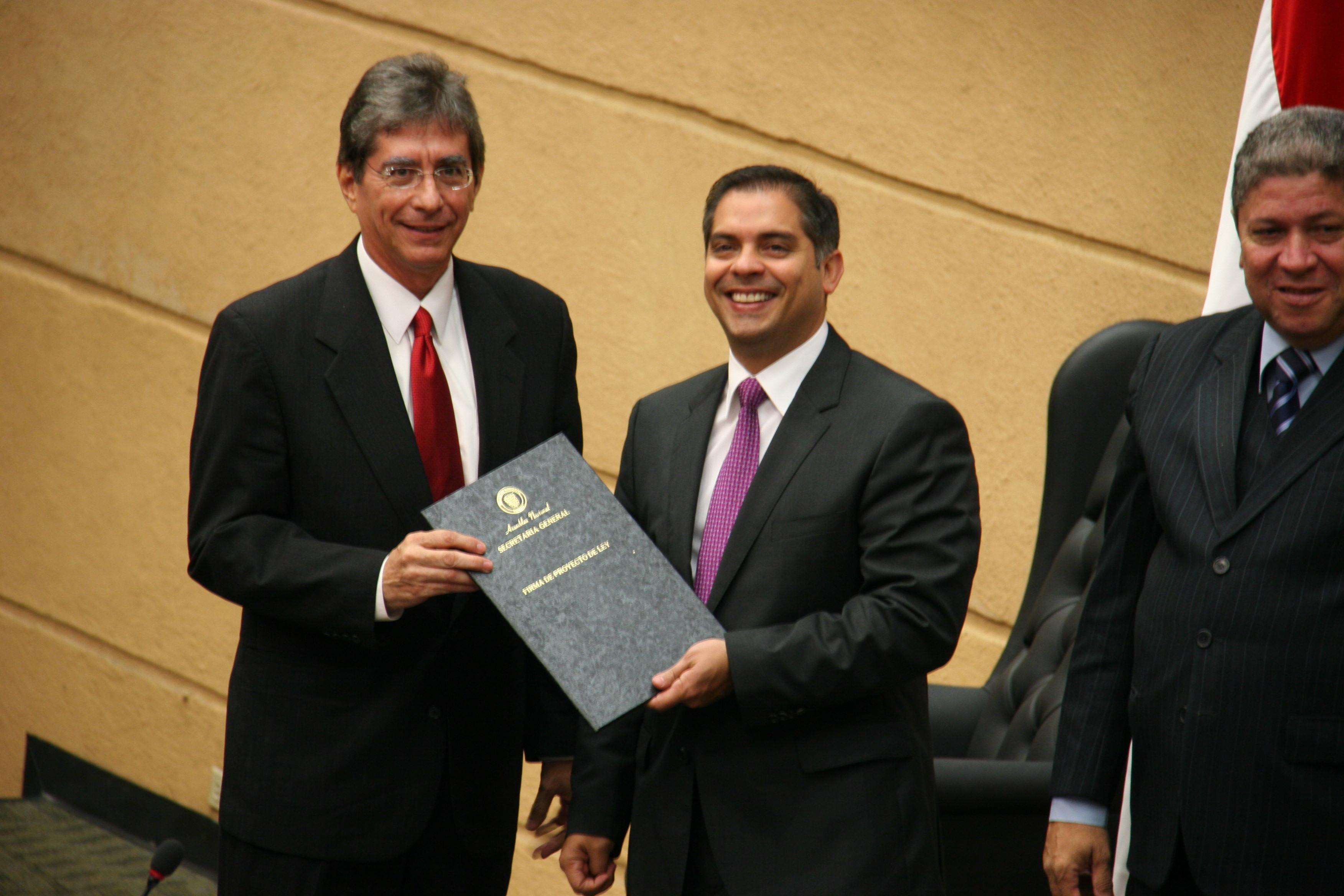 ASAMBLEA RATIFICA A DIRECTOR GENERAL DE LA AUTORIDAD AERONÁUTICA