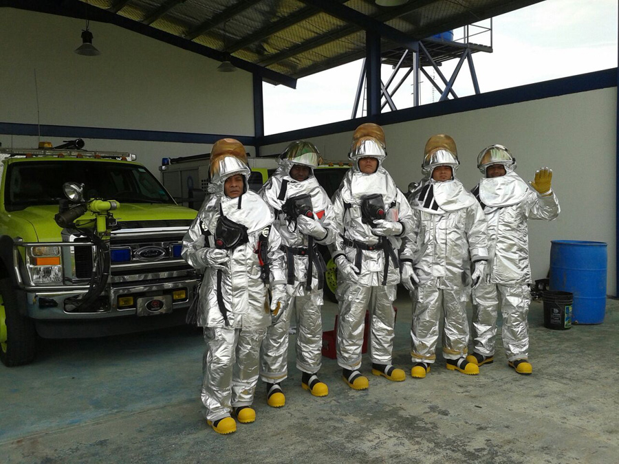 AAC entrega camiones de extinción de incendios en aeropuertos de Bocas del Toro