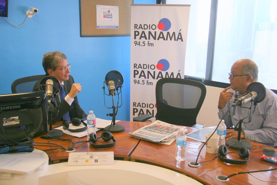 Director de AAC divulga gestión de trabajo en Radio Panamá