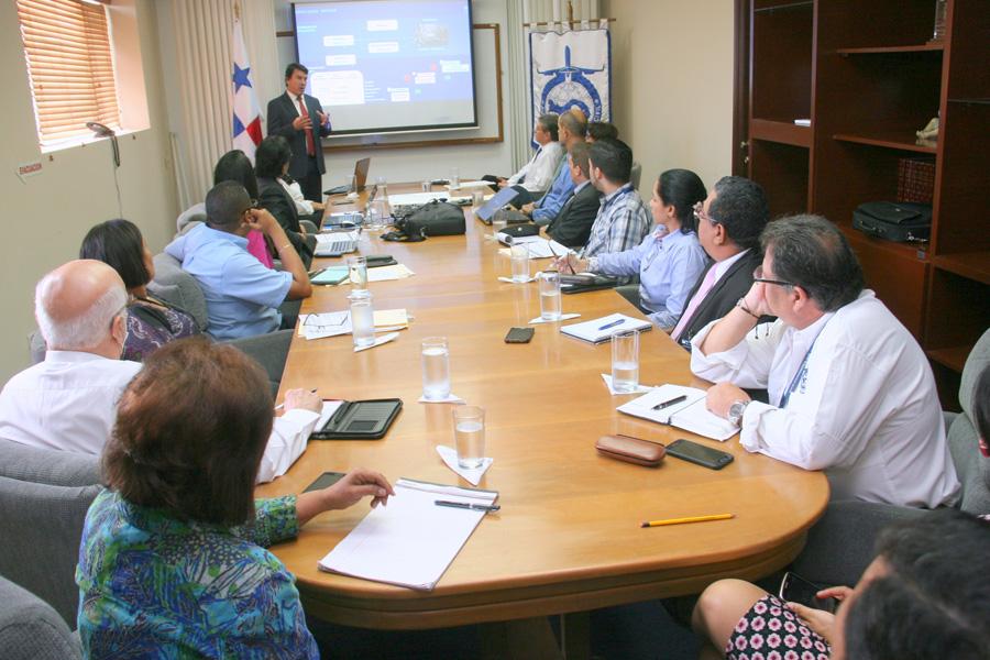 AAC celebra reunión de trabajo para evaluar estrategias de metas.