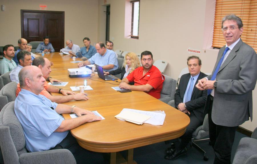 Autoridades se reúnen con delegación de la Asociación Panameña de Aviación