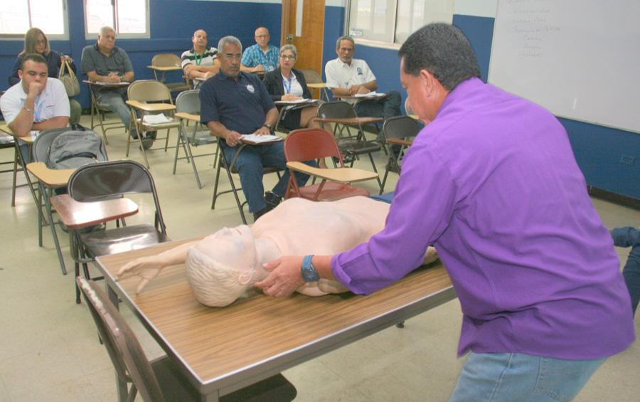 Dictan cursos de primeros auxilios en el ISFPA