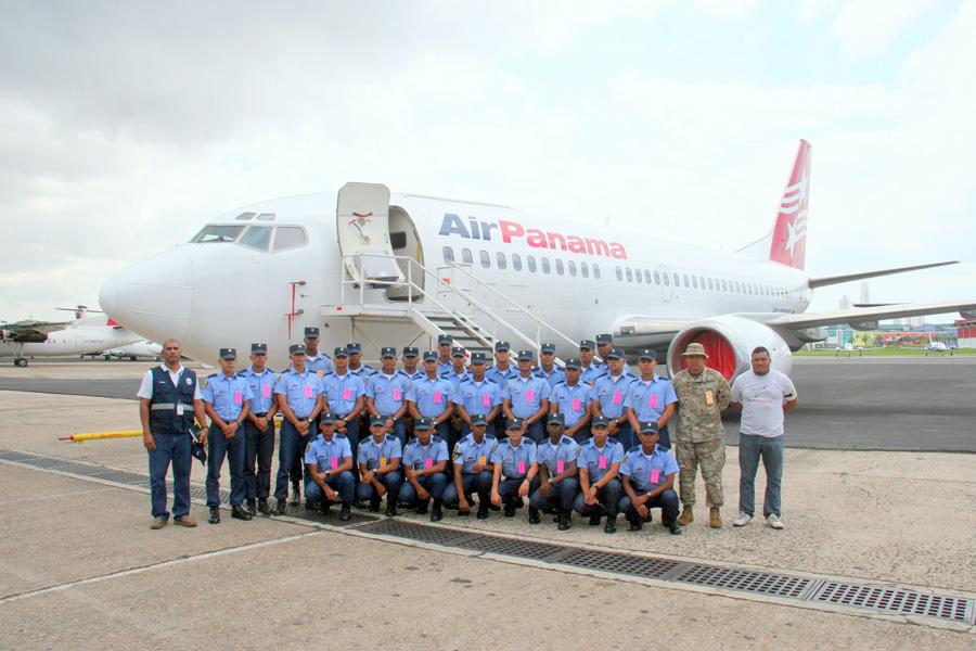 Entrenan seguridad aeroportuaria a agentes del SENAN