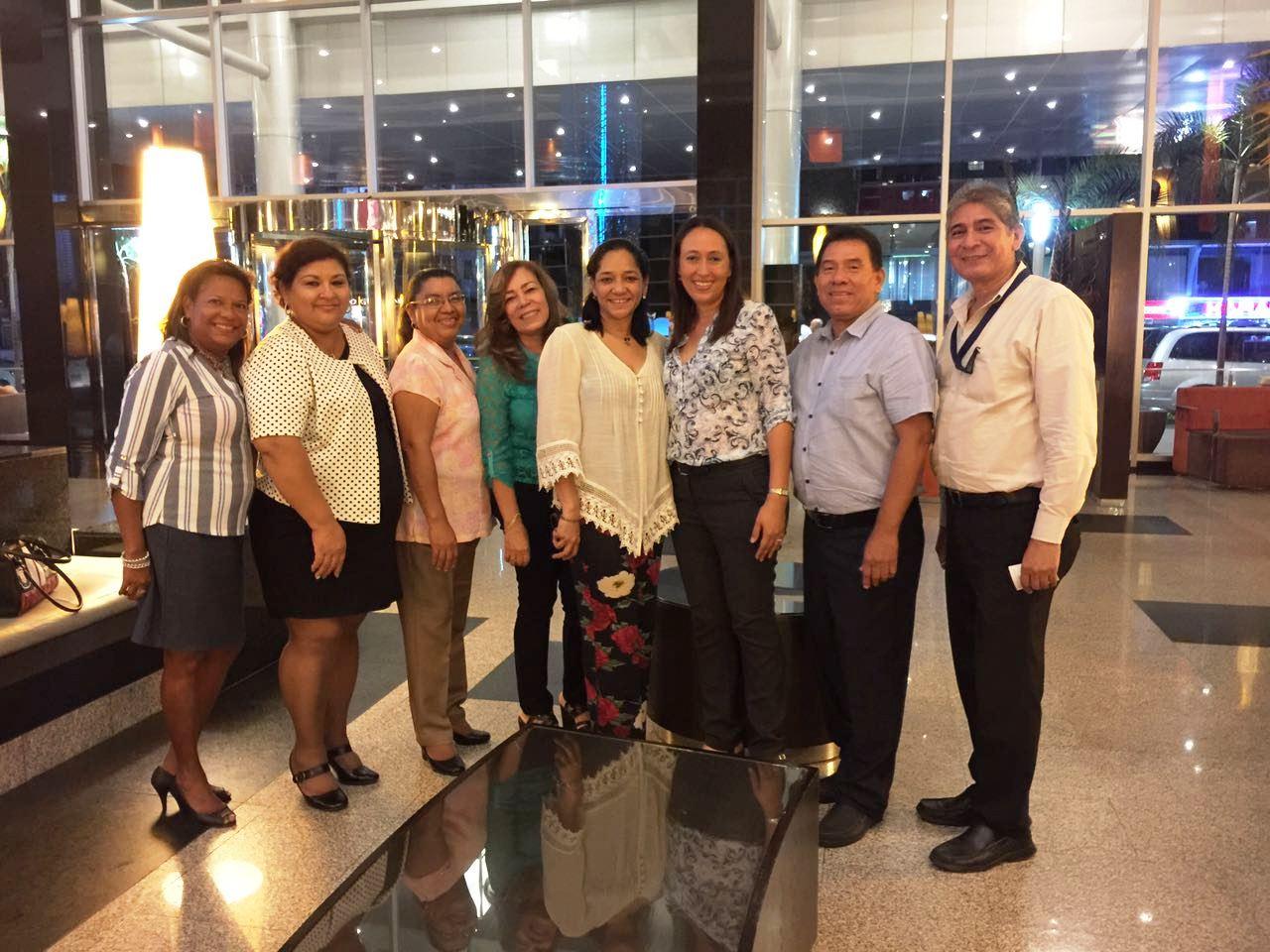 """Técnicos de AIS de la Autoridad Aeronáutica Civil celebran el """"Día Internacional de los Servicios de Información Aeronáutica"""""""