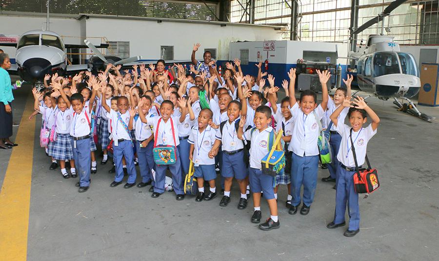 Escuela Bilingüe Arco Iris Visita las Instalaciones de la AAC