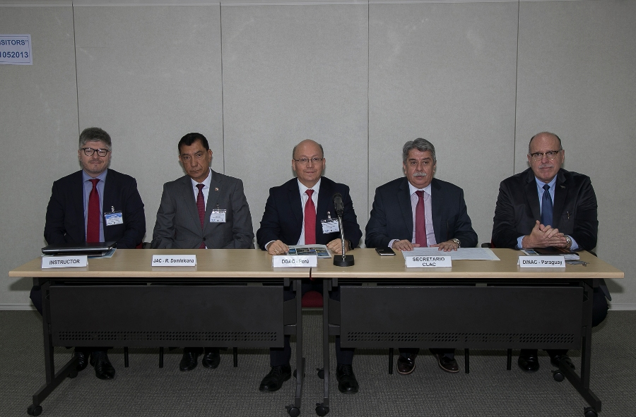 Delegación de la AAC asiste a seminario sobre negociación internacional en aviación