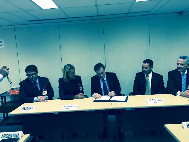 Panamá y Argentina firman acuerdo de cooperación para investigación de accidentes aéreos