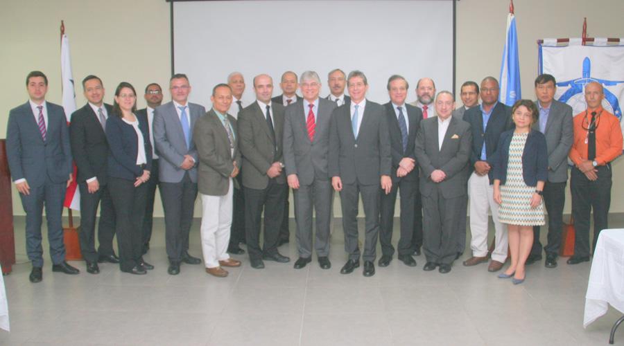 Celebran reunión de trabajo representantes de OACI y AAC