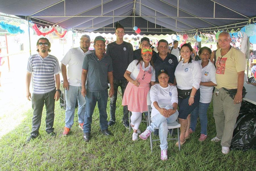 AAC Festeja día del niño en el Parque Omar