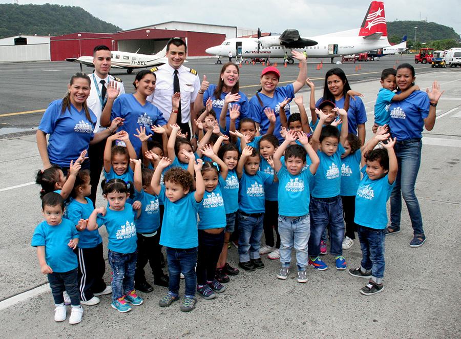 Aeropuerto Marcos A. Gelabert recibe grata visita del Colegio Kids Pace