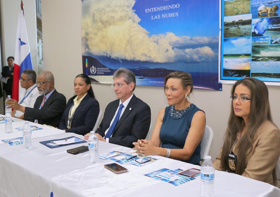 """Meteorólogos de la AAC conmemoran el """"Día Meteorológico Mundial"""""""